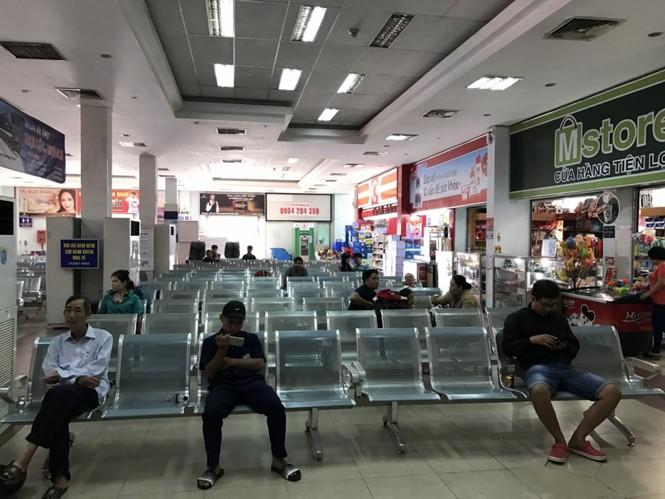 Bến xe, ga Sài Gòn vắng khách, sân bay chật kín người - ảnh 5
