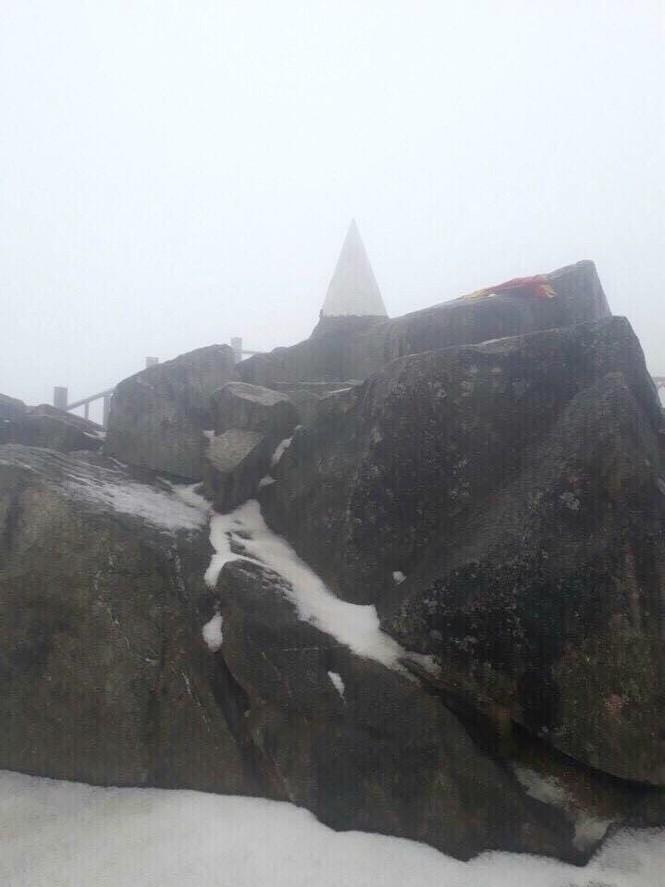Bất ngờ xuất hiện mưa băng tại đỉnh Fansipan Sa Pa - ảnh 4