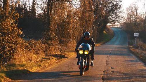 Soi 'cú đêm' cực ngầu Ducati 750 F1 - ảnh 1