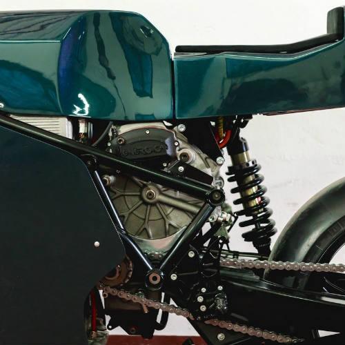 Soi 'cú đêm' cực ngầu Ducati 750 F1 - ảnh 4