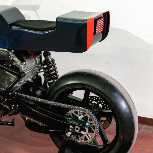 Soi 'cú đêm' cực ngầu Ducati 750 F1 - ảnh 8