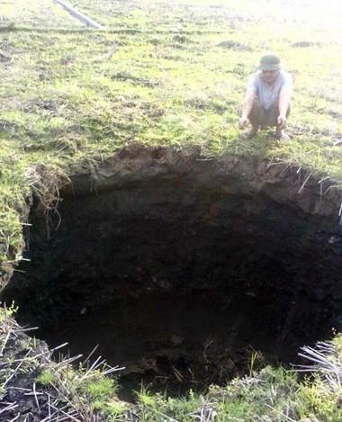 Hố 'tử thần' tiếp tục xuất hiện ở Bắc Kạn - ảnh 1