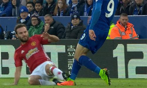 Mourinho: 'Tất cả đều chống lại Man Utd' - ảnh 1