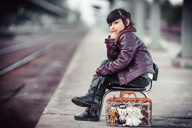 Bé gái mang hai dòng máu Việt - Đức 'diễn' đẹp như người mẫu - ảnh 2