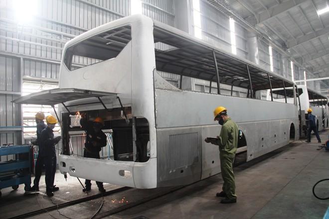 Nhà máy Thaco Bus hoạt động trở lại - ảnh 1