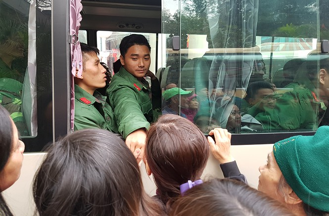 3.500 thanh niên Hà Nội lên đường nhập ngũ - ảnh 17