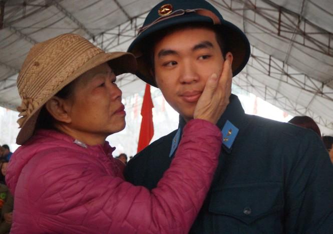 3.500 thanh niên Hà Nội lên đường nhập ngũ - ảnh 10