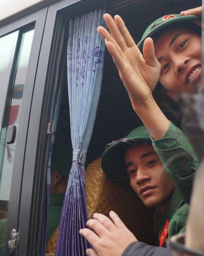 3.500 thanh niên Hà Nội lên đường nhập ngũ - ảnh 15