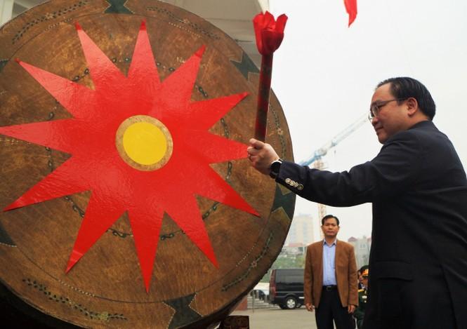 3.500 thanh niên Hà Nội lên đường nhập ngũ - ảnh 1