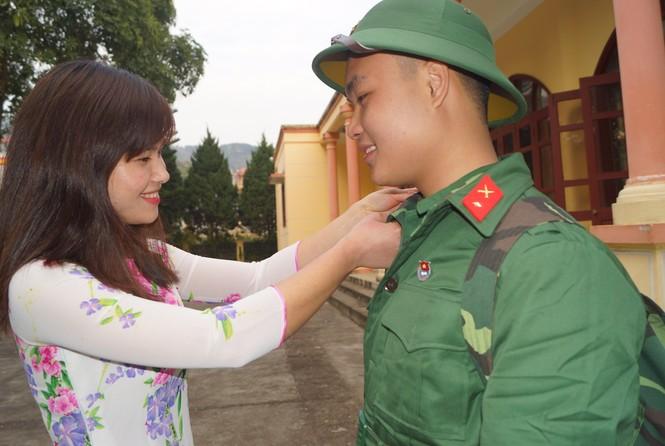 3.500 thanh niên Hà Nội lên đường nhập ngũ - ảnh 7