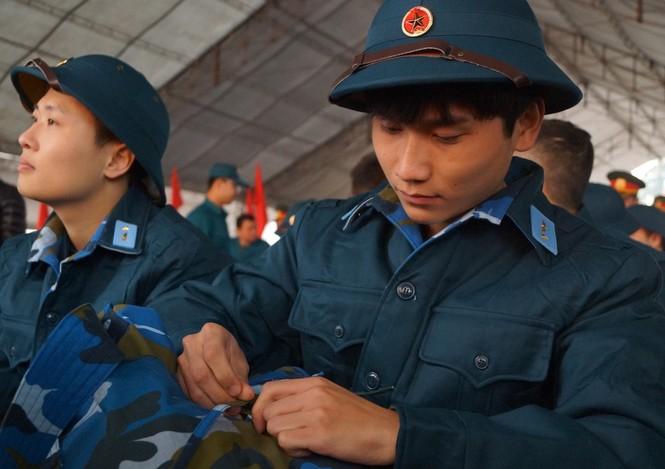 3.500 thanh niên Hà Nội lên đường nhập ngũ - ảnh 2