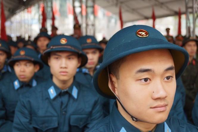 3.500 thanh niên Hà Nội lên đường nhập ngũ - ảnh 3