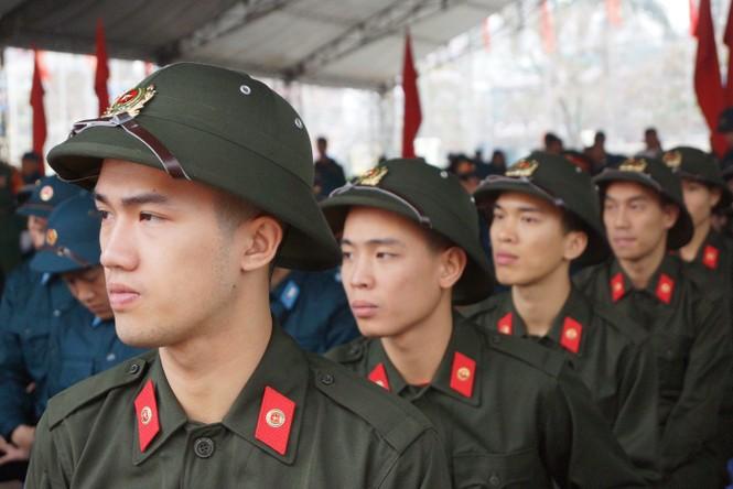 3.500 thanh niên Hà Nội lên đường nhập ngũ - ảnh 4
