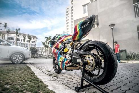 Ducati 899 Panigale 'độ' cầu vồng 7 sắc tại Việt Nam - ảnh 7