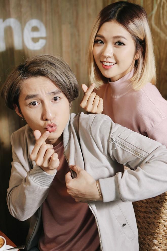 Sơn Tùng M-TP nhí nhảnh selfie cùng Suni Hạ Linh - ảnh 4