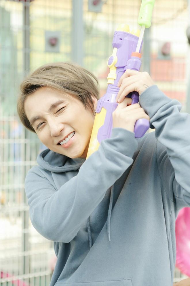 Sơn Tùng M-TP nhí nhảnh selfie cùng Suni Hạ Linh - ảnh 6