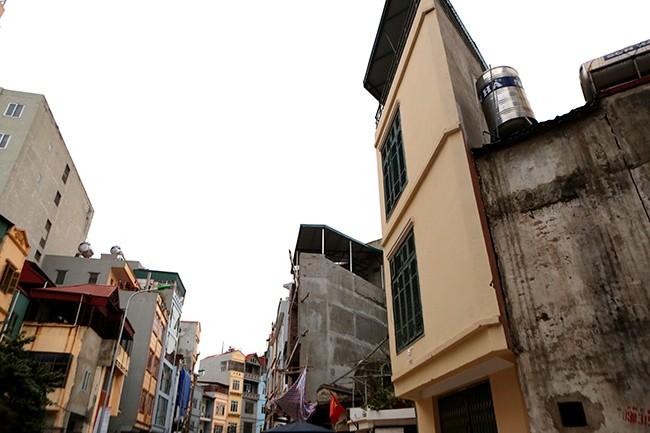 Nhà 'hình kỳ dị' lại mọc giữa Thủ đô sau cải tạo mương - ảnh 9