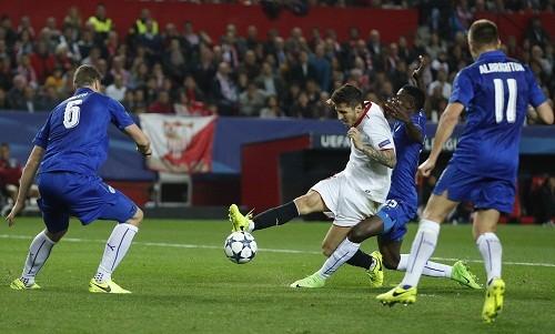 Vardy giữ lại hy vọng đi tiếp cho Leicester dù thua Sevilla - ảnh 1