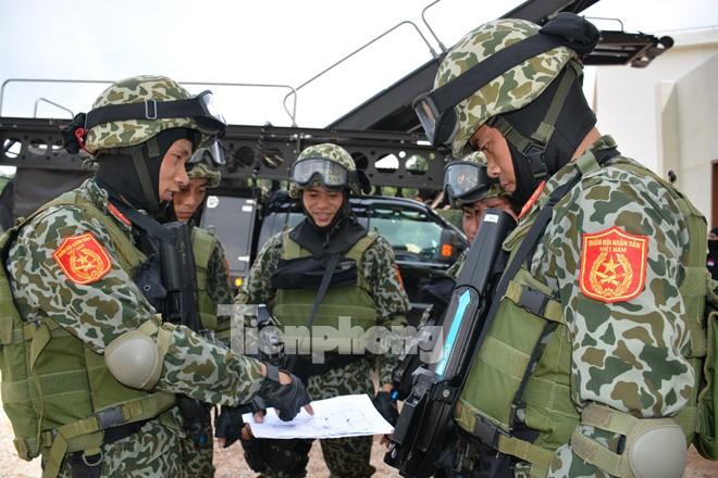 Cận cảnh đặc công Việt Nam đọ tài với đặc nhiệm các nước - ảnh 2