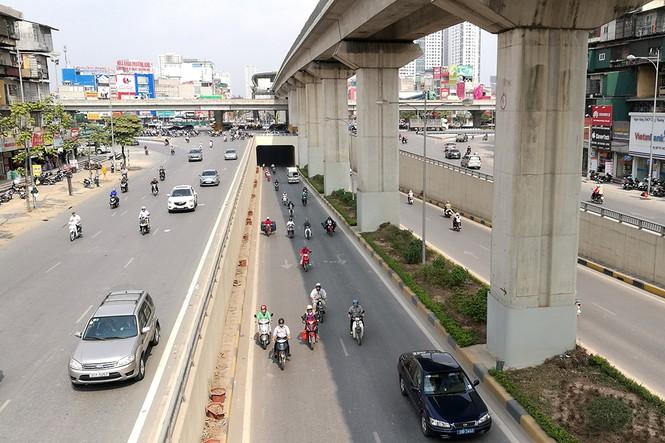 Hầm chui hơn 500 tỷ ở Hà thành nhếch nhác, ngập rác - ảnh 2