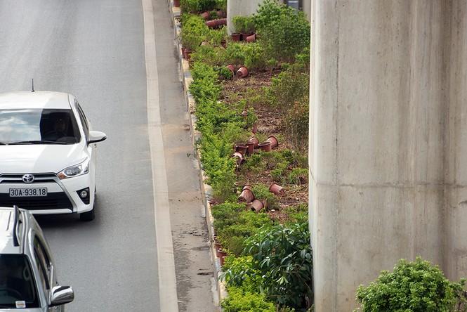 Hầm chui hơn 500 tỷ ở Hà thành nhếch nhác, ngập rác - ảnh 13