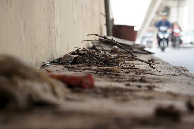 Hầm chui hơn 500 tỷ ở Hà thành nhếch nhác, ngập rác - ảnh 15