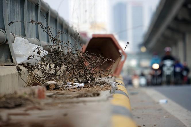 Hầm chui hơn 500 tỷ ở Hà thành nhếch nhác, ngập rác - ảnh 4