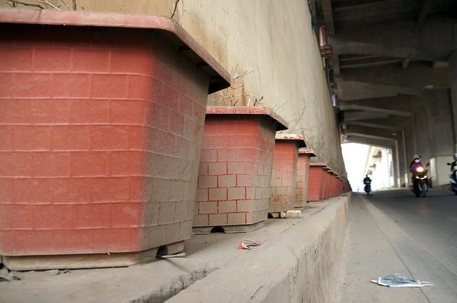Hầm chui hơn 500 tỷ ở Hà thành nhếch nhác, ngập rác - ảnh 7
