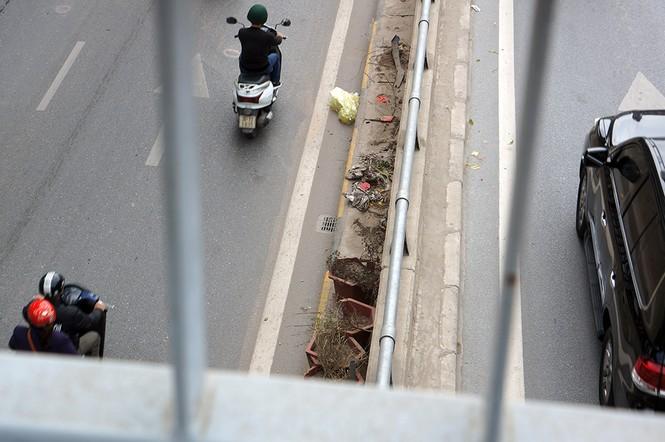 Hầm chui hơn 500 tỷ ở Hà thành nhếch nhác, ngập rác - ảnh 11