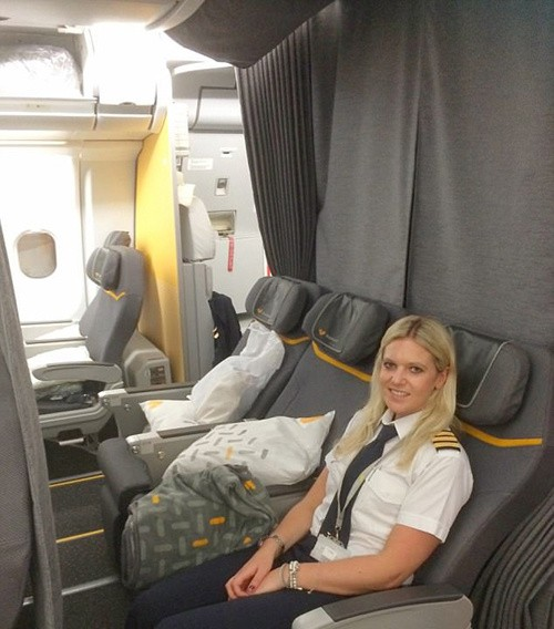 Một ngày của nữ phi công 26 tuổi lái máy bay đường dài - ảnh 7