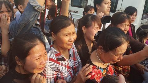 Quê nhà đón bé bị sát hại ở Nhật ngập nước mắt - ảnh 3