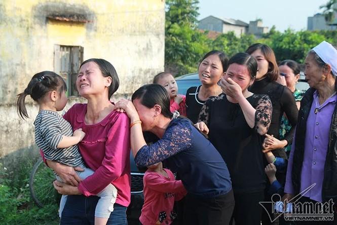 Quê nhà đón bé bị sát hại ở Nhật ngập nước mắt - ảnh 4