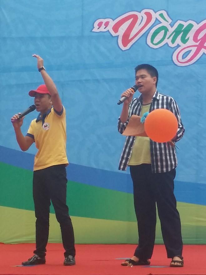 Gần 800 trẻ tự kỷ tham gia ngày hội 'Vòng tay yêu thương' - ảnh 1