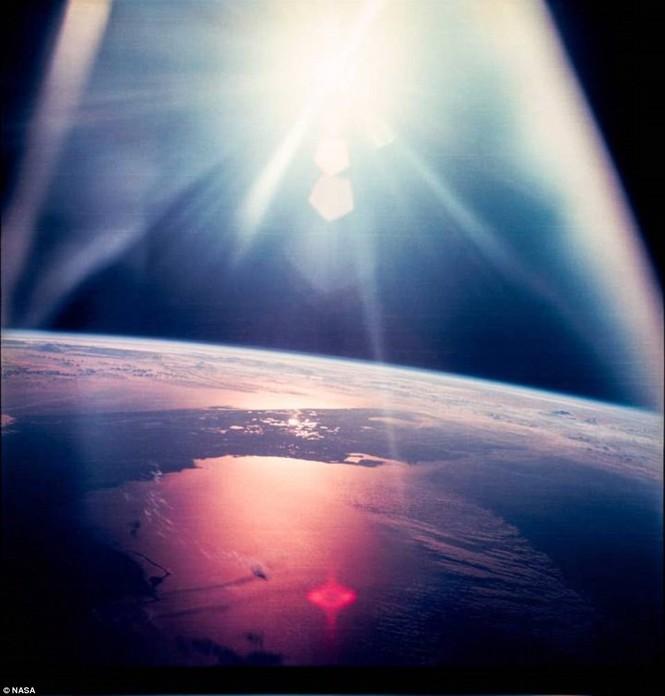 Ảnh hiếm về chuyến bay lên Mặt Trăng qua ống kính phi hành gia - ảnh 3