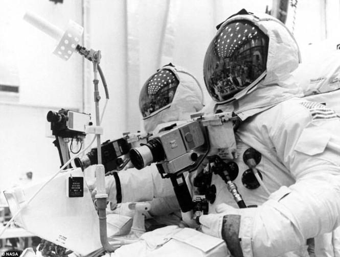 Ảnh hiếm về chuyến bay lên Mặt Trăng qua ống kính phi hành gia - ảnh 6