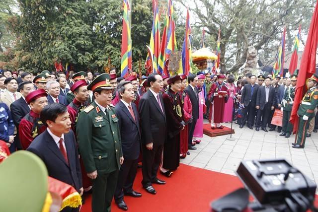 Chủ tịch nước dâng hương tưởng nhớ các Vua Hùng - ảnh 2