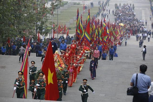 Chủ tịch nước dâng hương tưởng nhớ các Vua Hùng - ảnh 7
