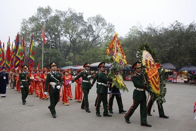 Chủ tịch nước dâng hương tưởng nhớ các Vua Hùng - ảnh 8