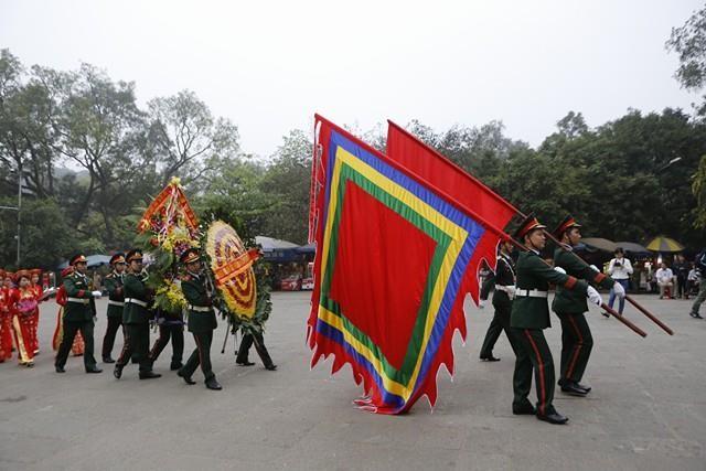 Chủ tịch nước dâng hương tưởng nhớ các Vua Hùng - ảnh 9