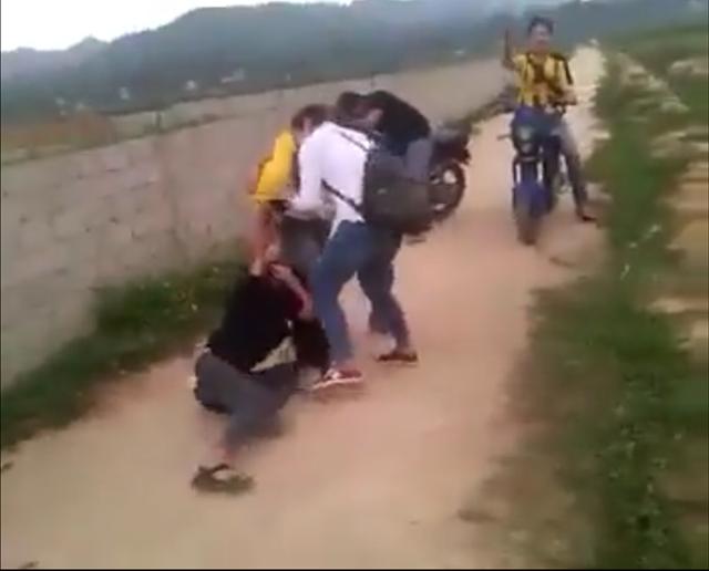 Làm rõ vụ nữ sinh đánh nhau tung clip lên mạng - ảnh 1