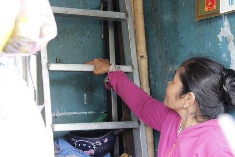 Gặp người phụ nữ sống trong căn nhà 1m2 giữa Sài Gòn - ảnh 11