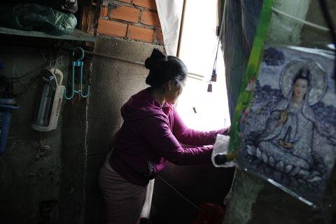 Gặp người phụ nữ sống trong căn nhà 1m2 giữa Sài Gòn - ảnh 12