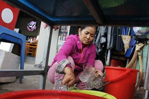 Gặp người phụ nữ sống trong căn nhà 1m2 giữa Sài Gòn - ảnh 14