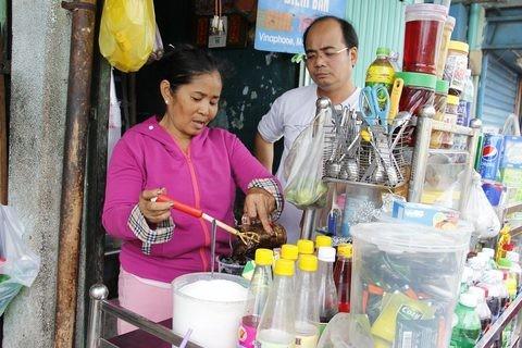 Gặp người phụ nữ sống trong căn nhà 1m2 giữa Sài Gòn - ảnh 15