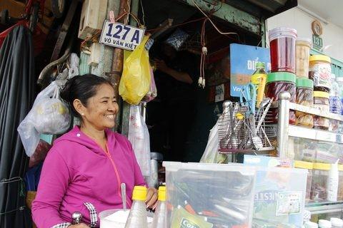 Gặp người phụ nữ sống trong căn nhà 1m2 giữa Sài Gòn - ảnh 1