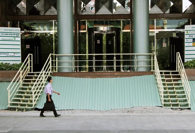 Cao ốc, khách sạn 5 sao sau khi tháo dỡ phần lấn vỉa hè - ảnh 6