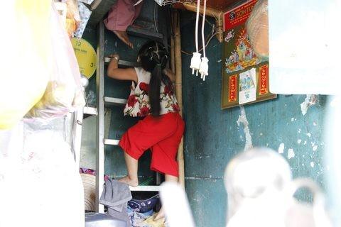 Gặp người phụ nữ sống trong căn nhà 1m2 giữa Sài Gòn - ảnh 8