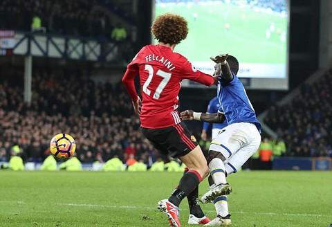 Mourinho và ơn tri ngộ với 'tóc xù' Fellaini - ảnh 2
