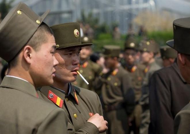 Binh sĩ Triều Tiên dưới góc nhìn của nhiếp ảnh gia Pháp - ảnh 11