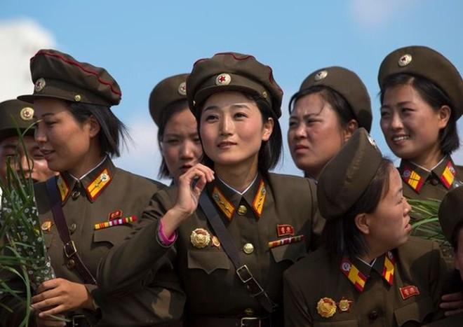 Binh sĩ Triều Tiên dưới góc nhìn của nhiếp ảnh gia Pháp - ảnh 12